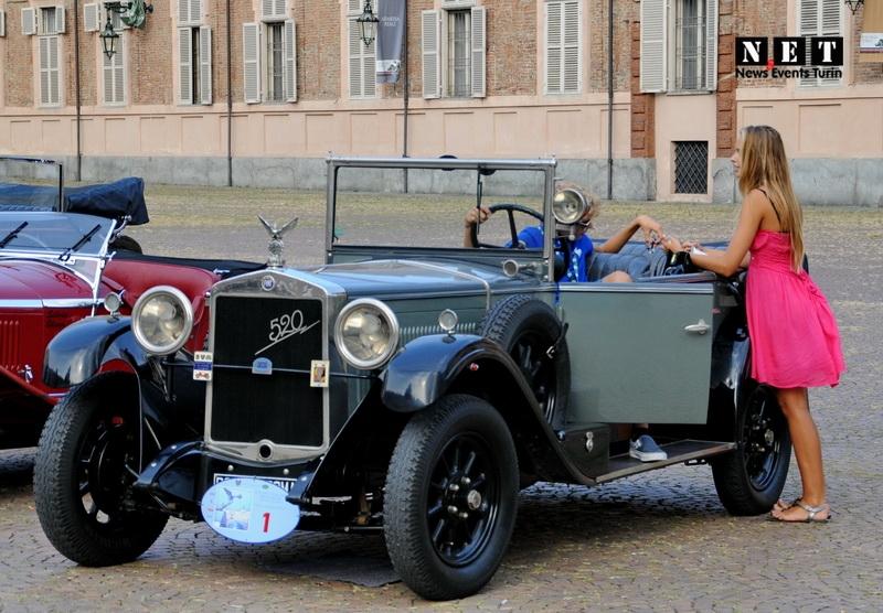 Старинные автомобили Турина фотографии