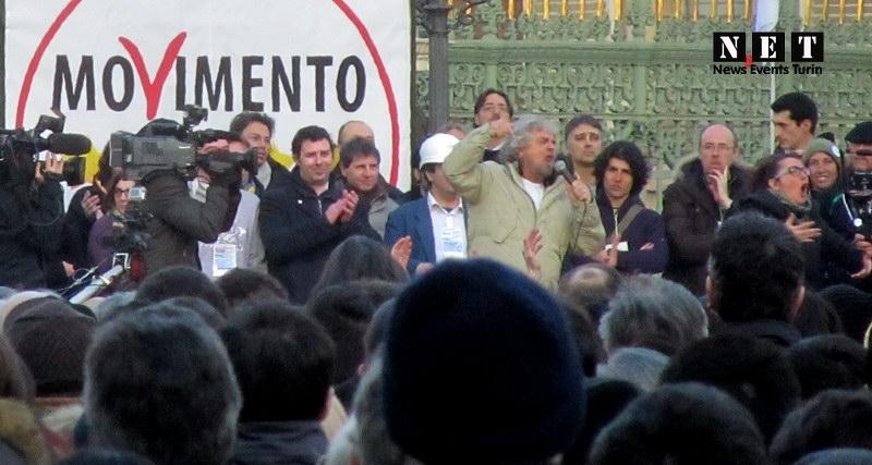 Beppe Grillo a Torino piazza Castello 16 febbraio 2013 Tsunami Tour