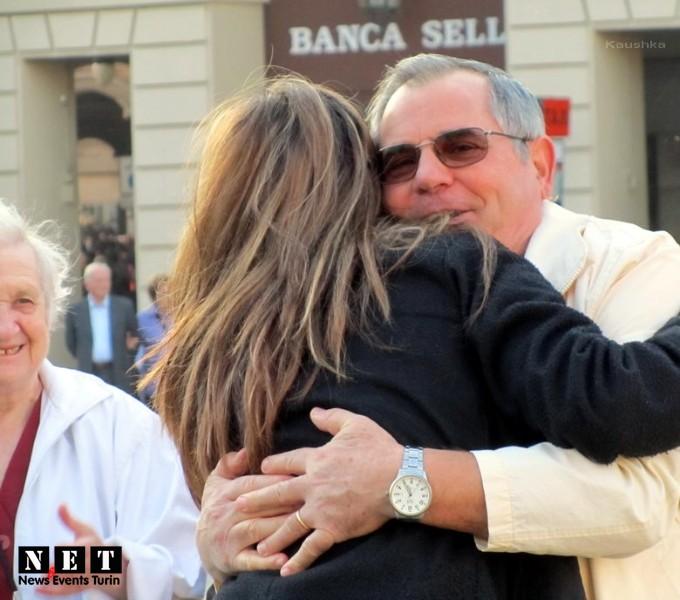 Бесплатные объятия в Италии Международный день объятий в Италии Турин Пьемонт