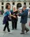 Abbracci gratis, Free Hugs, Italiano, Francese