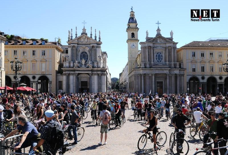 30 тысяч участников вело парада в Италии Турин Велопарад в Италии