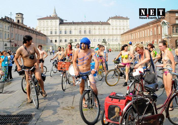 Ciclonudista Torino 2013