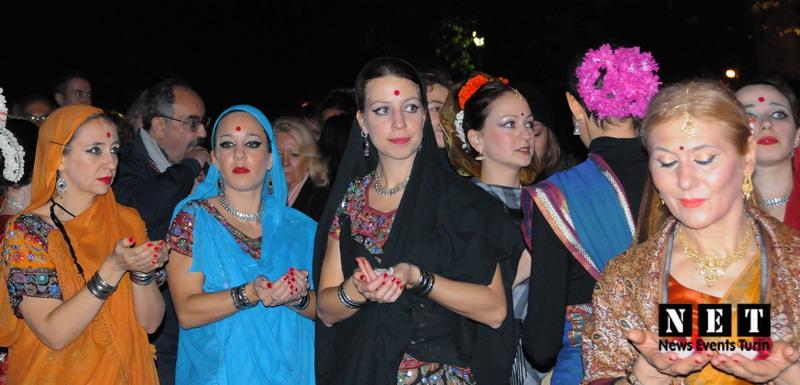 Diwali Torino borgo medievale festa delle Luci fiume Po