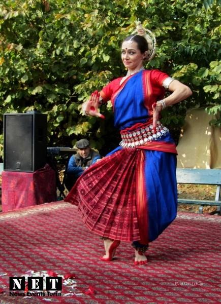 Индийские танцы Турин Италия