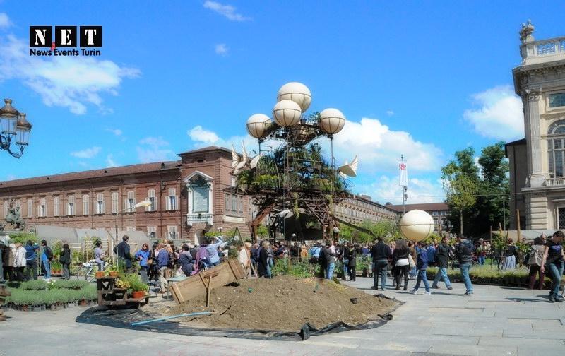 Потрясающие зеленые инсталляции от французов в Турине Роскошный сад центр Турина