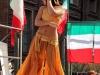 Танцующий народ в Турине
