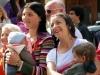 Цыганки кормят детей Италия