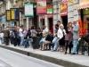 На автобусной остановке в Турине