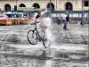 В фонтане на велосипеде турин