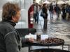 Castagna Torino жаренные каштаны на улицах Турина
