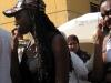Африканка в интернациональной кепке