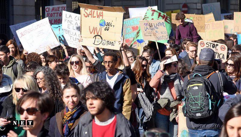 Manifestazione studenti  #FridaysForFuture a Torino