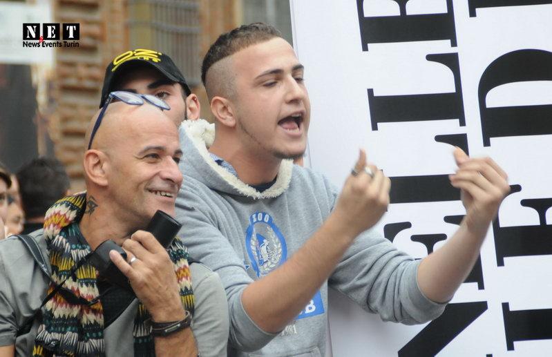 Агрессивные геи Турина провоцируют полицию и стражей настоящей семьи