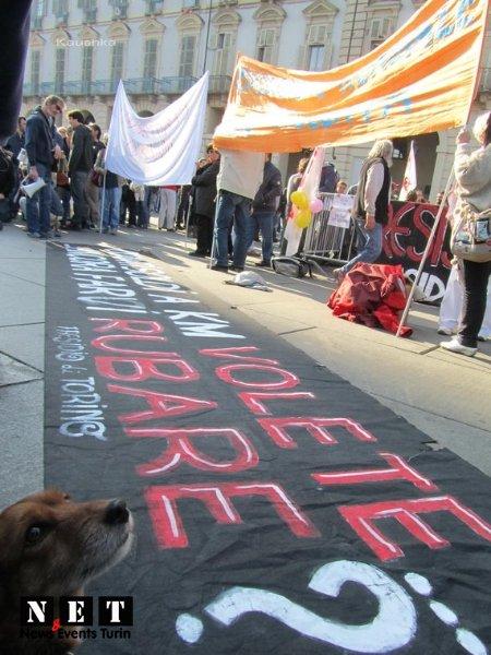 manifestazione-indignati-torino-15-ottobre-2011-11