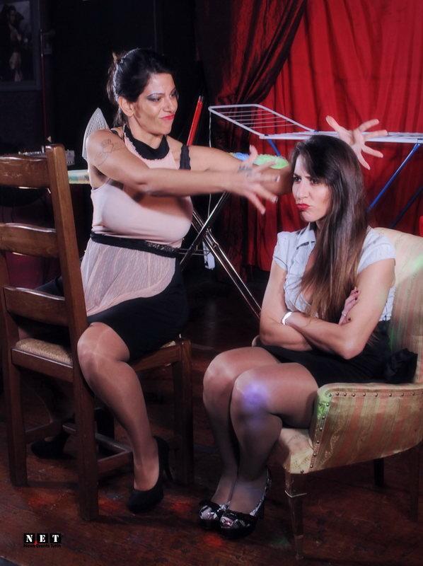 Офисные работницы и домохозяйки итальянки