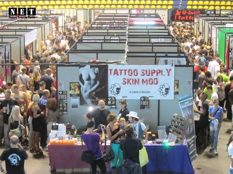 Европейский слет татуировщиков в итальянском городе Турин