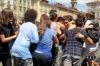 Bagno alla fine scuola. Studenti Torino