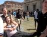 Studenti fanno bagno nelle fontane di  Torino