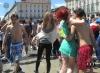 Bagno nelle fontane di Piazza Castello Torino