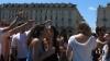 Doccia in fontana Torino