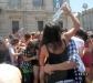 Torino, festa a suon di gavettoni per l'ultimo giorno di scuola