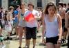 Италия - Массовое купание в фонтане выпускников школы