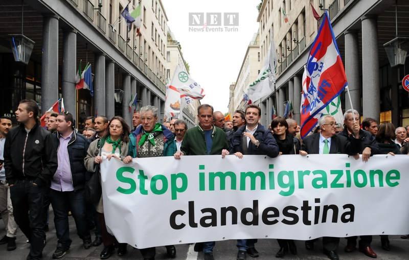 """Националисты Италии в акции протеста против иммиграции в Италии"""""""