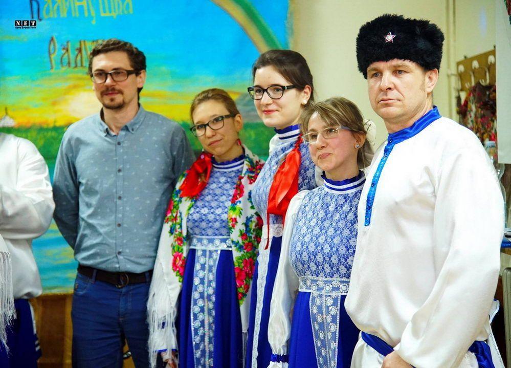 коренные русские люди, по крови, по менталитету, теряют свой язык, теряют свою веру,