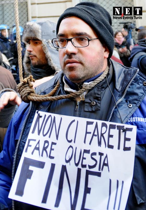 Массовая забастовка в Турине Италия Акции протеста в Италии бастуют аграрии Турин