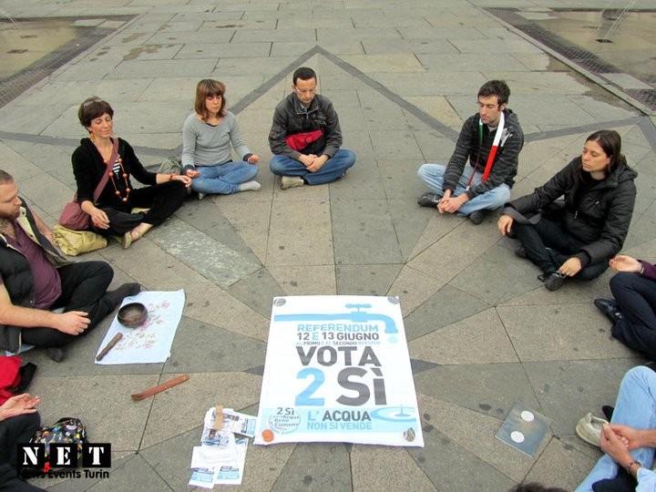Медитация в Турине на главной площади