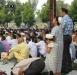 Мусульмане молятся в Италии