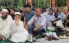 Группа арабов в Турине на празднике