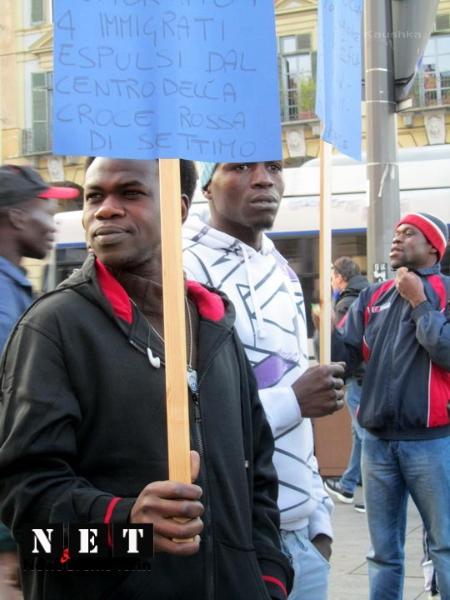 protesta-manifestazione-rifugiati-di-libia-a-torino-19