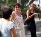 Украинки получают посылки в Сан Ремо
