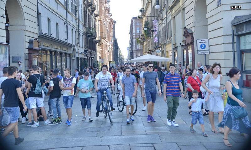 Жанр уличная фотография в Италии Турин