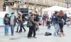 Танцующие итальянцы в центре Турина