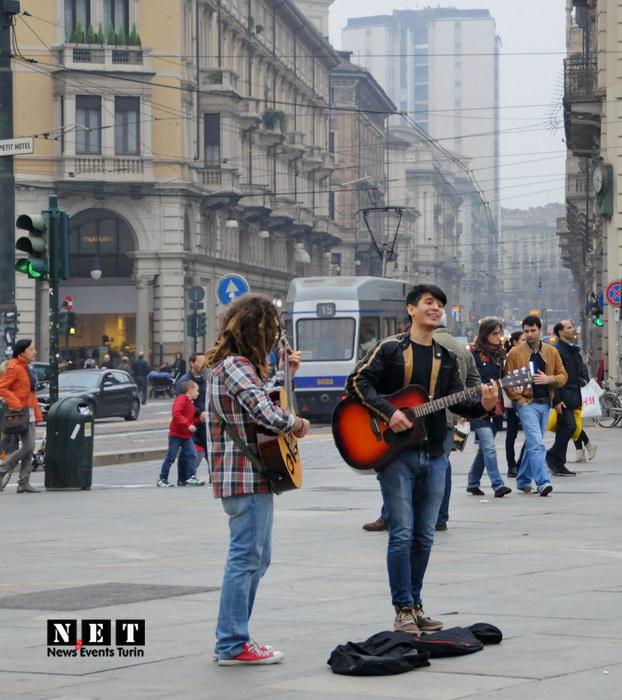 Уличные музыканты Стрит фото Турин