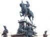 Памятник королю Умберто и Сольери