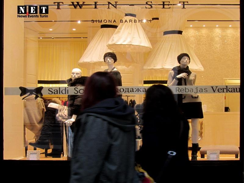 Тонкие советы итальянцев на что обратить внимание во время зимних распродаж в Италии Турине