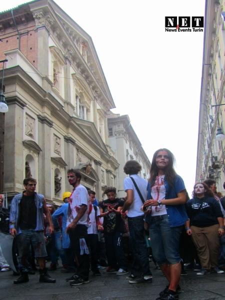 vivi morti zombie walk torino 2012