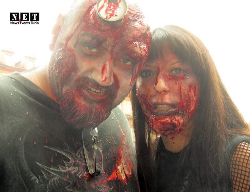 Шествие живых мертвецов флешмоб Италия Турин Зомби в Еврпе