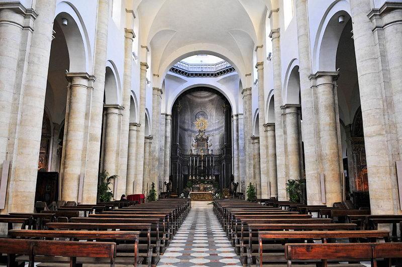 Достопримечательности Турина Дуомо вид внутри храм Христа