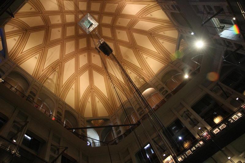 Как выглядит Моле Антонеллиана внутри город Турин