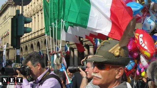 Турин — Элитные горные войска Италии на параде.
