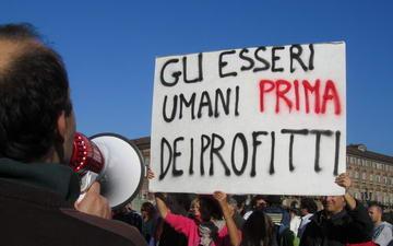 Забастовки в Италии Турин возмущенные