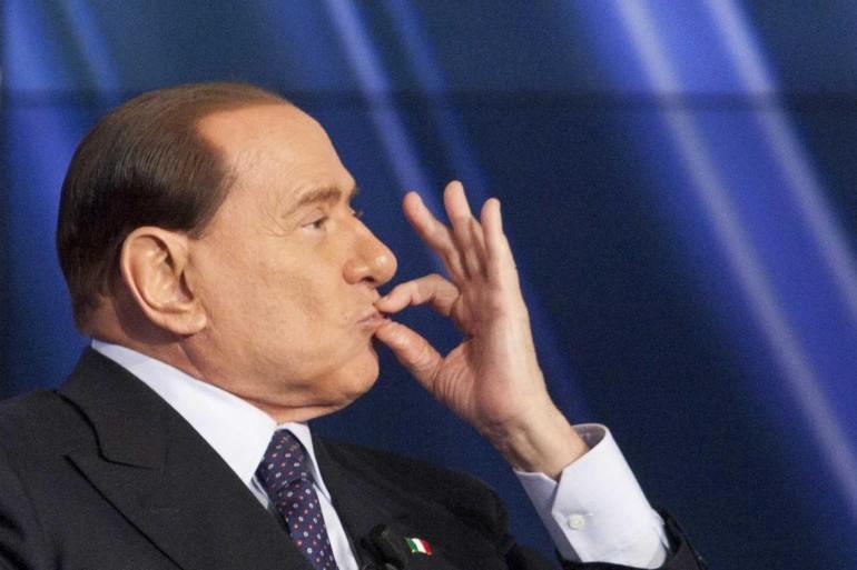 Сильвио Берлускони официальная отставка Италия