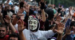 Лидер indignados Турина дает интервью News Events Turin