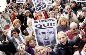 Отставка Сильвио Берлускони в Италии 'Время спеть Аллилуйя