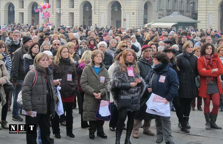 Большой протест феминисток Турина