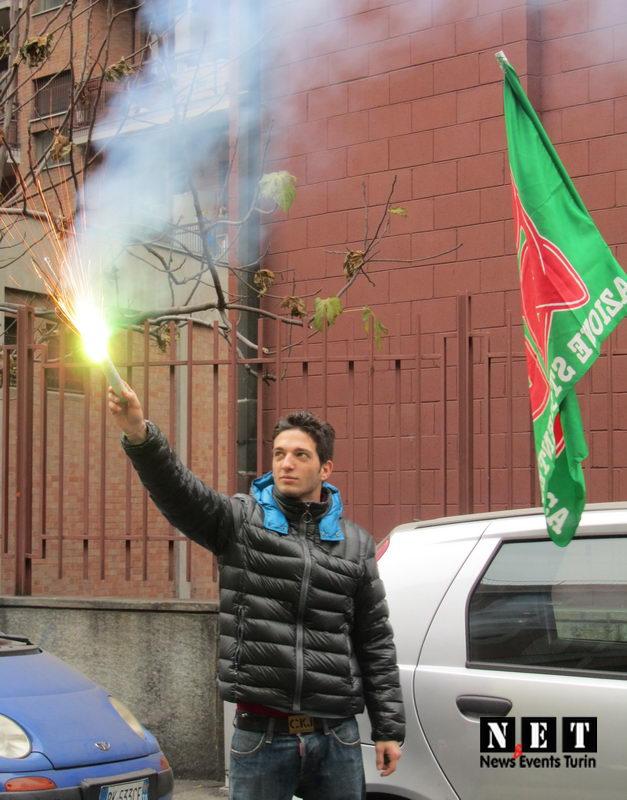 Забастовка студентов в Турине против правительства